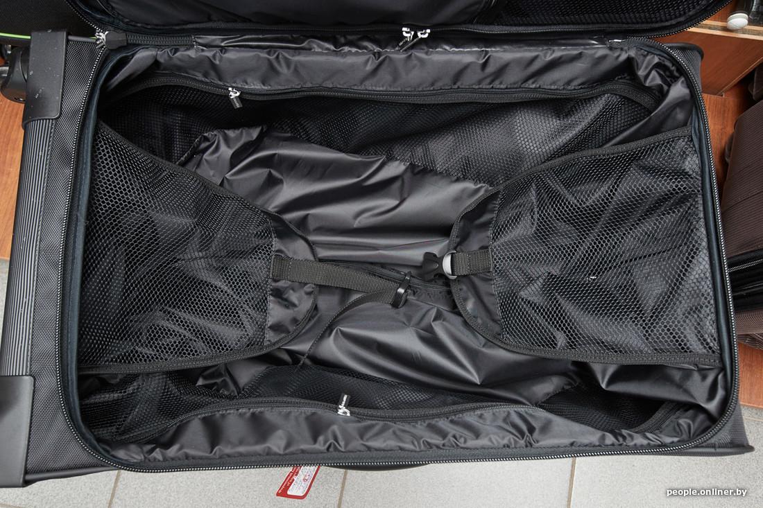 b52851b6bb79 Самый дорогой чемодан стоит 250 рублей. Зато у него четыре колеса. Зачем  они нужны и чем лучше, читайте ниже.