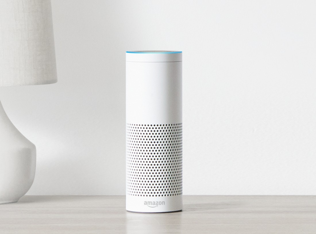«Умный» будильник Amazon свидеосвязью— Echo Spot