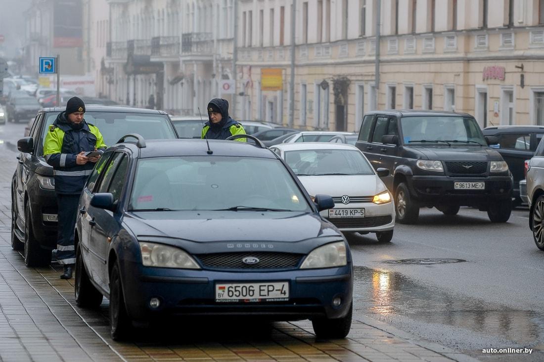 Брошенные автомобили — извечная проблема мегаполисов