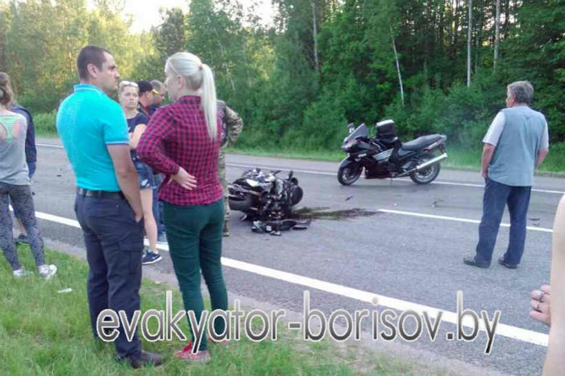 На М1 два УАЗа врезались в колонну байкеров, пострадали четыре человека