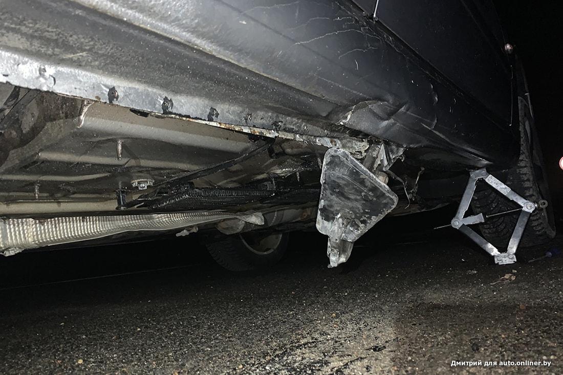 На трассе кузов пробил металлический предмет. Водитель: «К кому обращаться? В ГАИ сказали, что могут только штраф выписать»