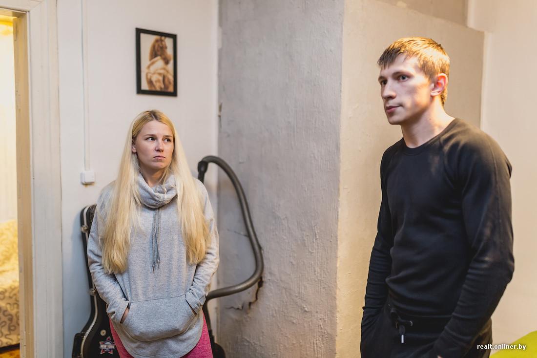 drugu-molodaya-vetnamskaya-devushka-opisalas-na-rabote-video-sam-sebe-huy