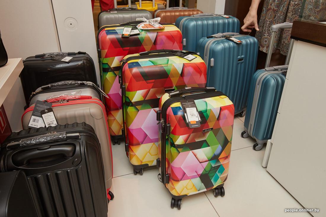 b914ab97a758 Выбираем чемодан на колесах: компас на ручке или чудо-материал за ...