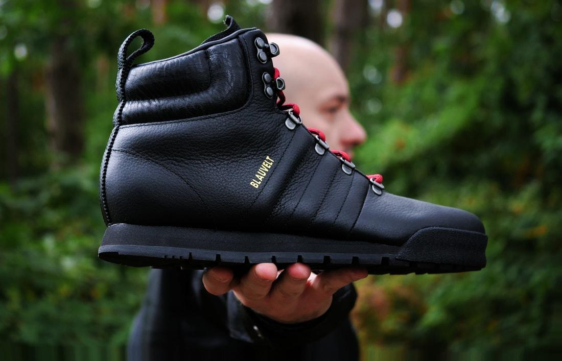 05e10a5e Эту модель называют «сникербутами» — гибридом ботинок и кроссовок. Джейк  Бловелт — сноубордист, значимый персонаж в своей отрасли.