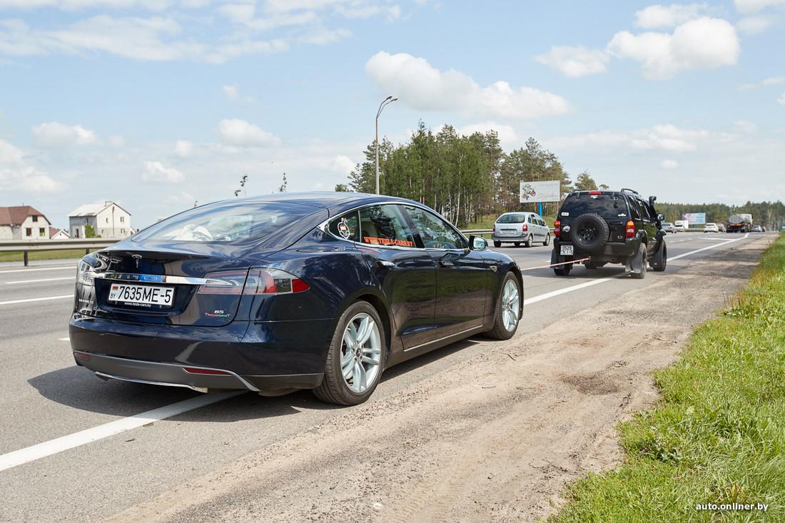 сколько нужно электричества чтобы зарядить полностью автомобиль тесла