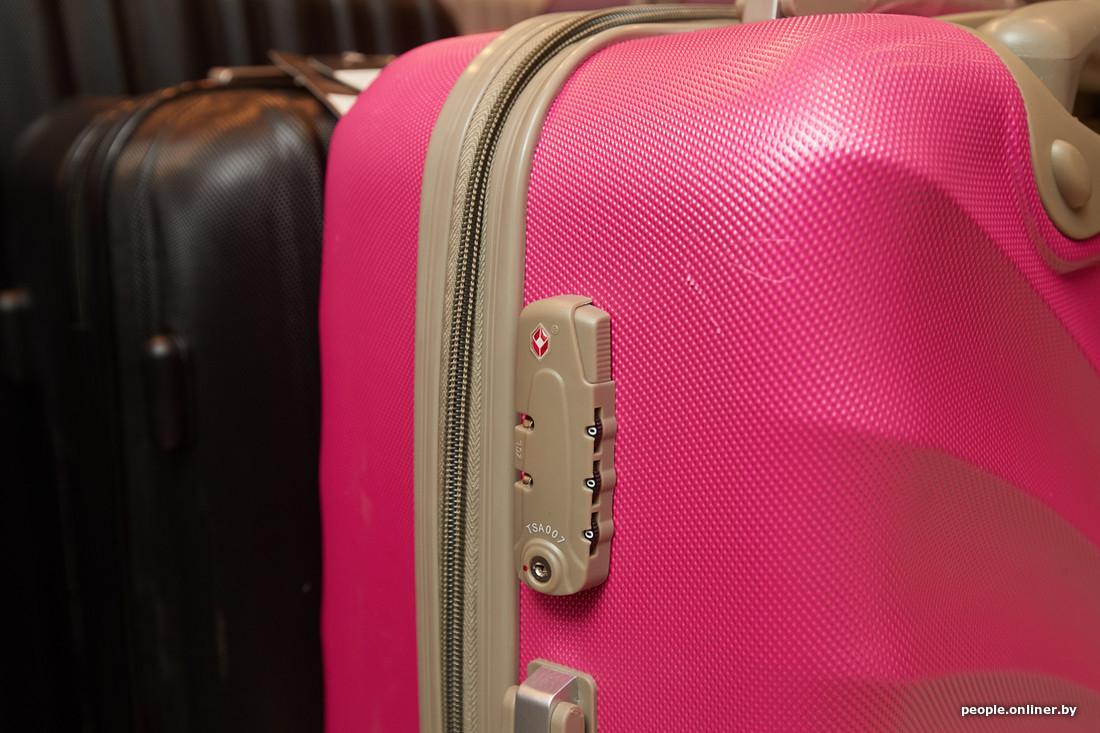 99135f15142e Полипропилен — это второй тип пластиковых чемоданов — прочнее и устойчивее  к перепаду температур. Кроме того, он легче ABS.
