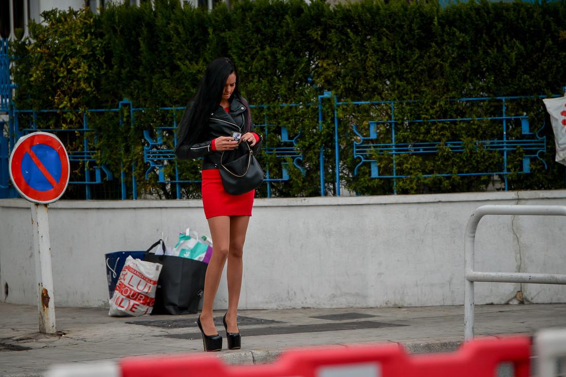 Как я случайно залез к девушки под юбку в общественном транспорте фото 752-980