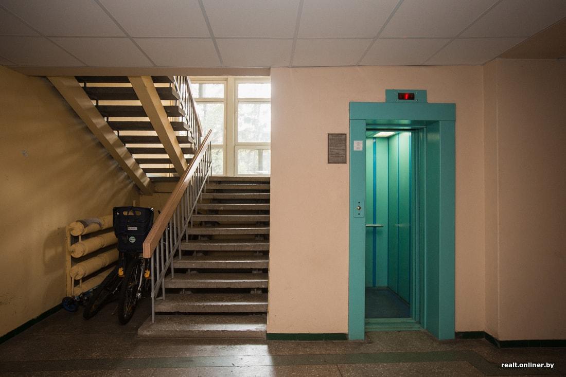 Картинки в подъездах и лифтах