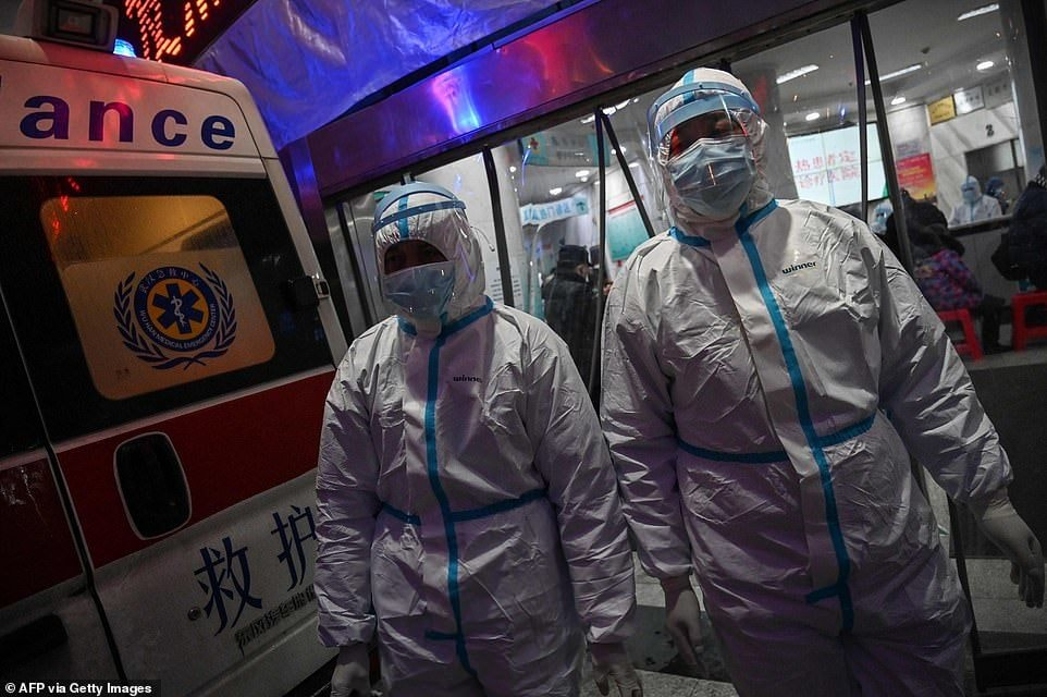 Более 2000 человек больны коронавирусом в Китае, от него умерло 56 человек