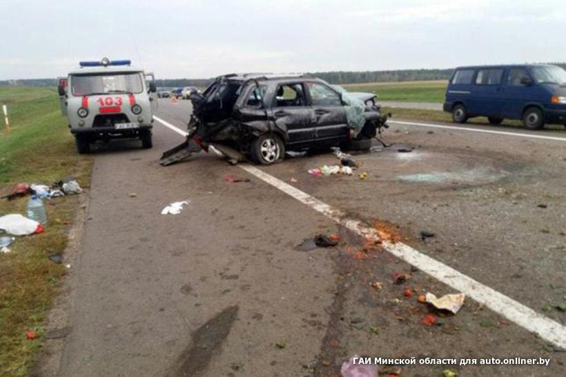 На трассе М1 произошла серьезная авария: пострадали пять человек, в их числе двое детей