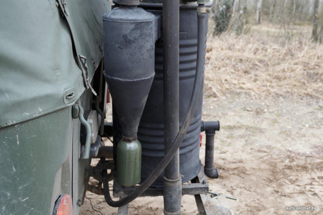 Расход — 20 кг поленьев на сотню. Брестчанин создал машину, работающую на дровах