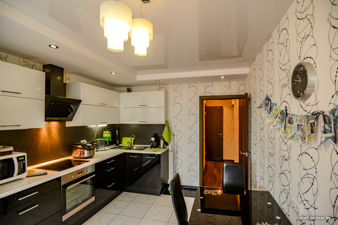 Натяжной потолок в кухне в Минске