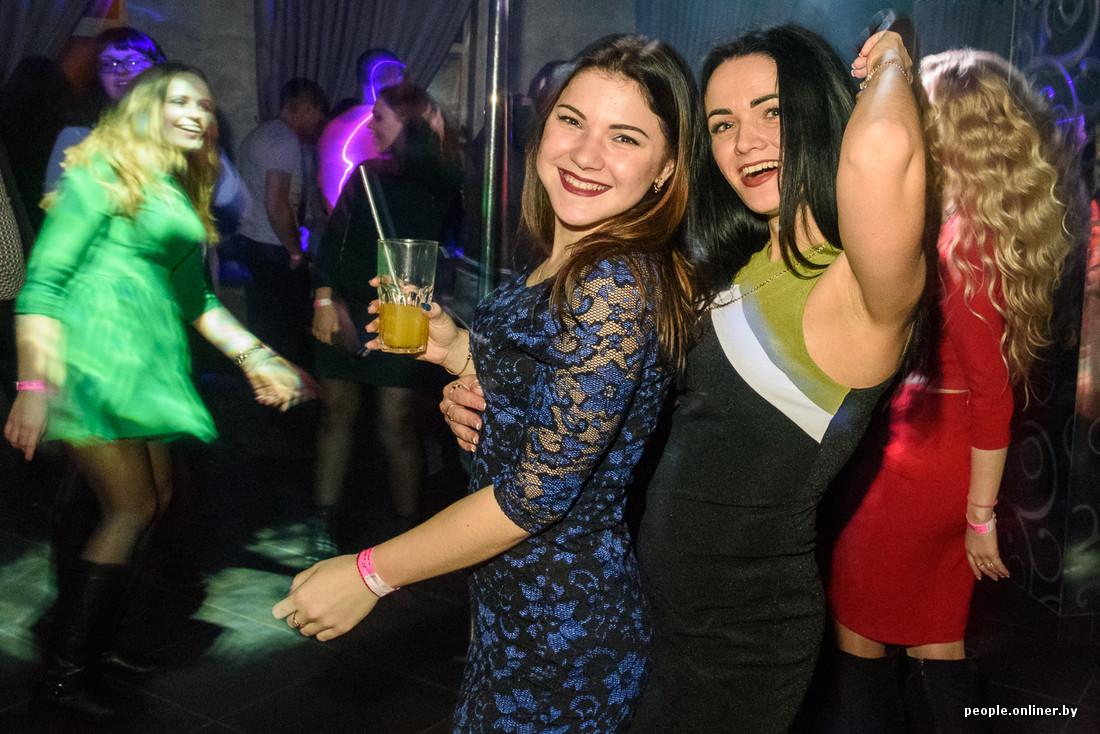 Красивые девушки в белоруссии фото брюнеток из клуба