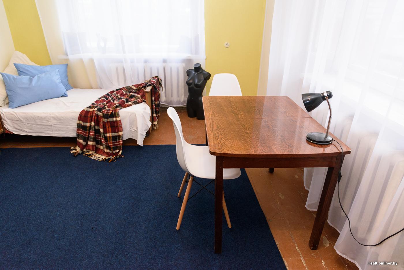 Студентки остались одни в комнате