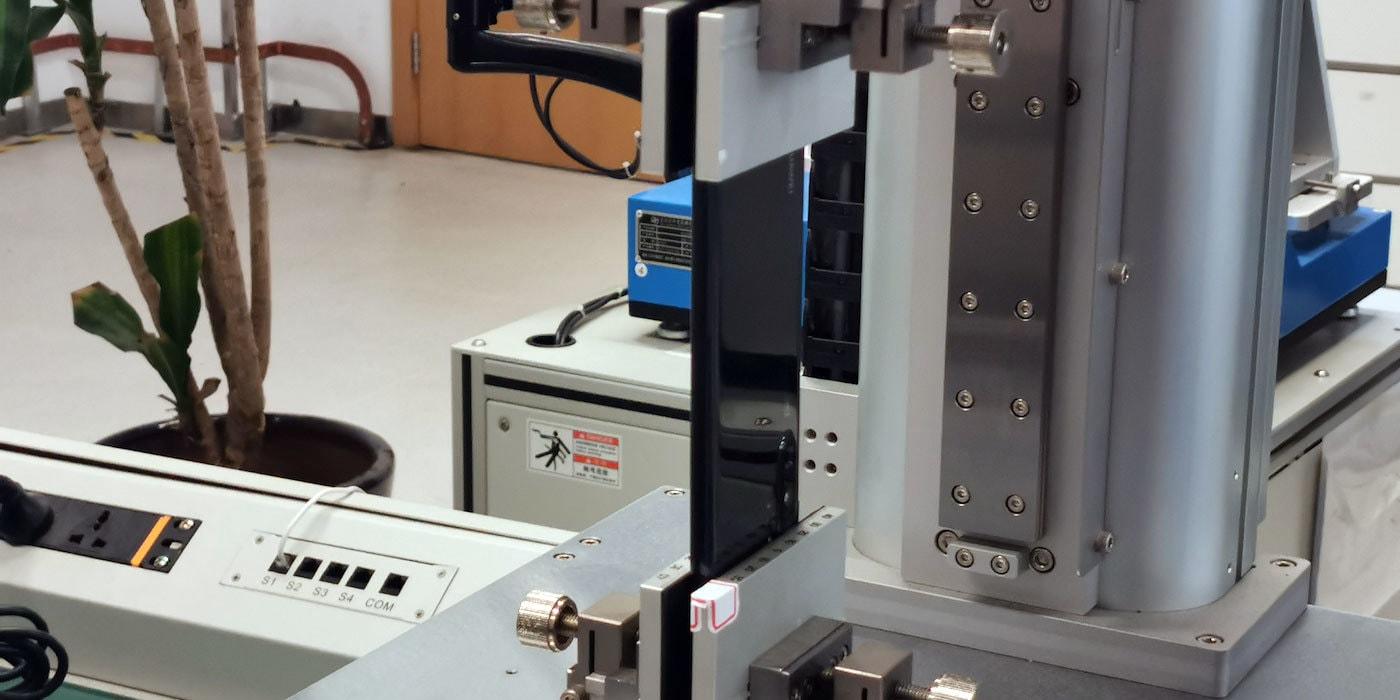 Ад смартфонов: Huawei показала лаборатории по испытанию гаджетов