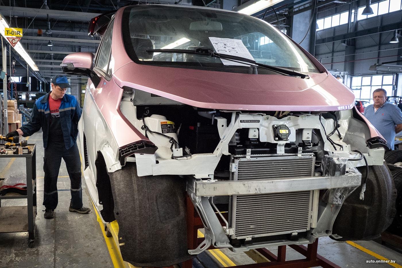 Фоторепортаж: в Беларуси началось производство электромобилей