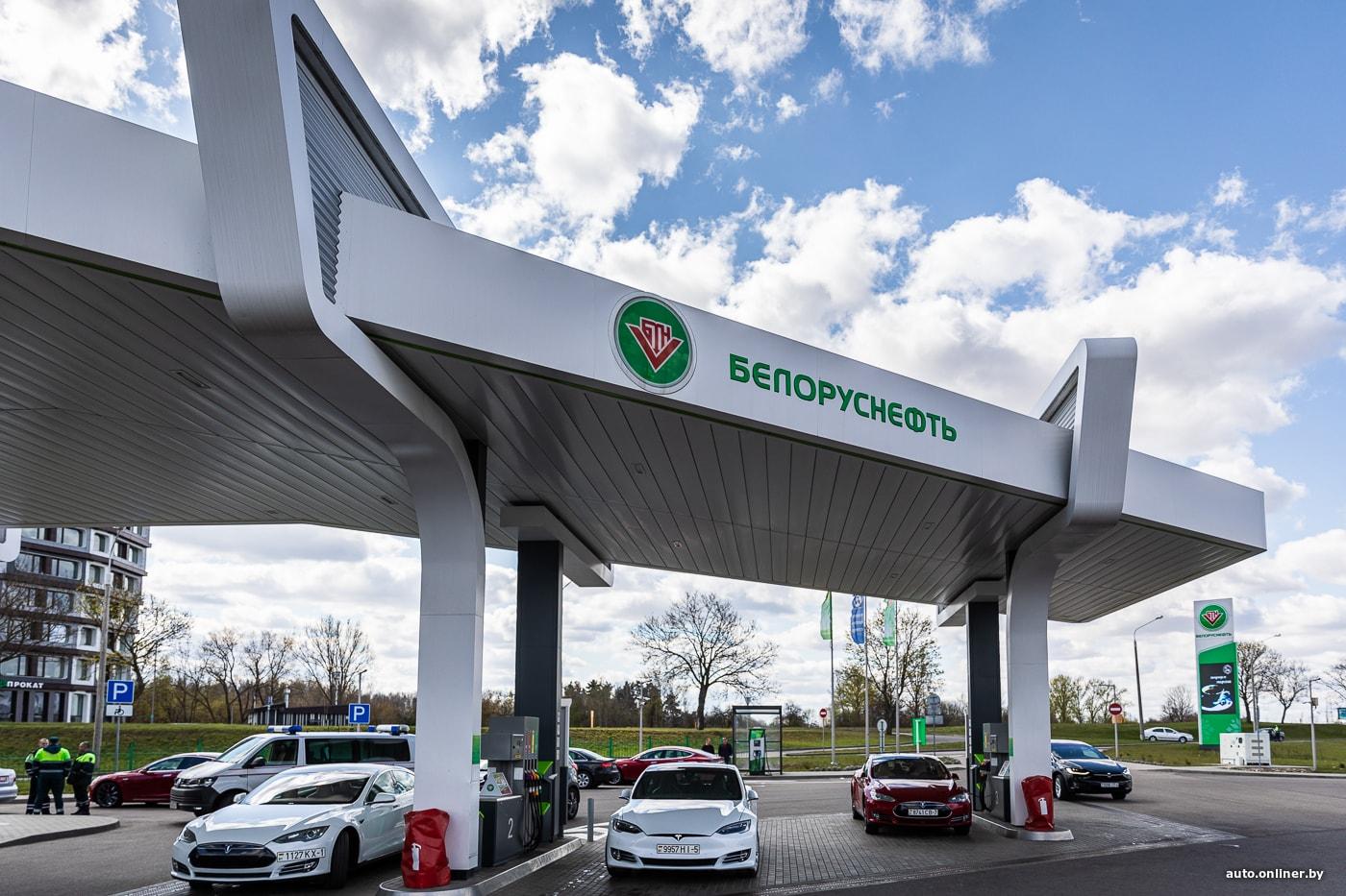 Минск: электромобили создали очередь на АЗС в качестве протеста