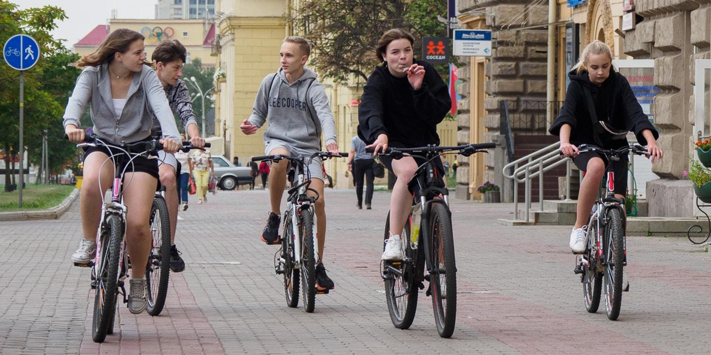 Соседи поневоле: что делить пешеходам и велосипедистам?(видео)