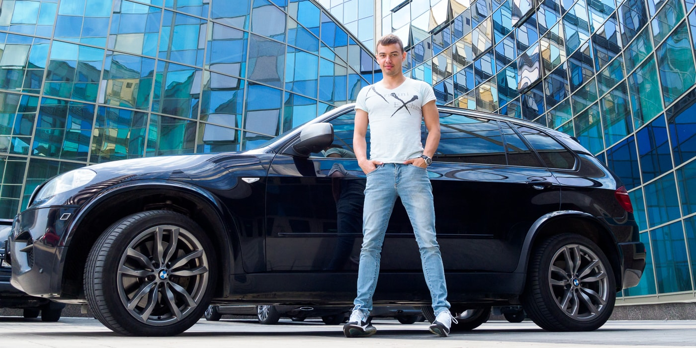 «Тачка нарасхват». Андрей продолжает менять BMW X5 в желании найти наиболее свежую модель (22 фото)