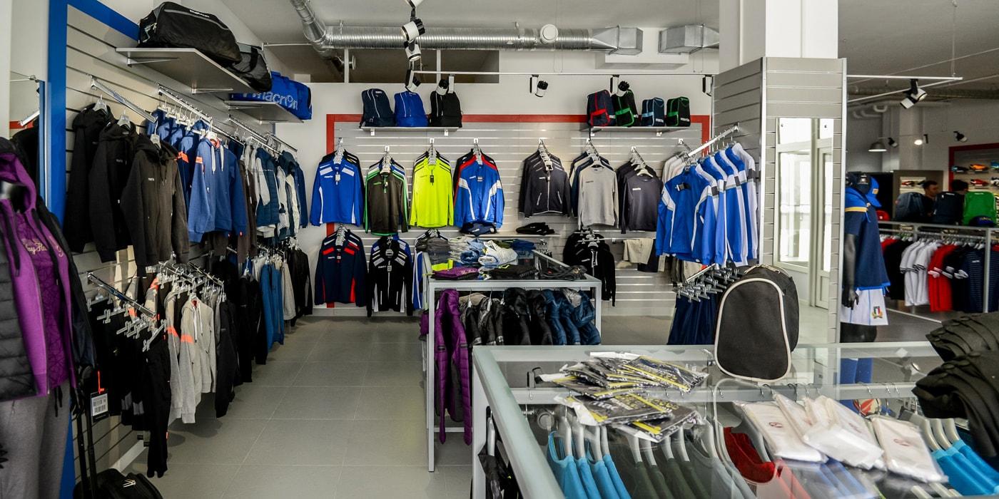 ed8a942fca3d В Минске открылся магазин итальянского спортивного бренда Macron