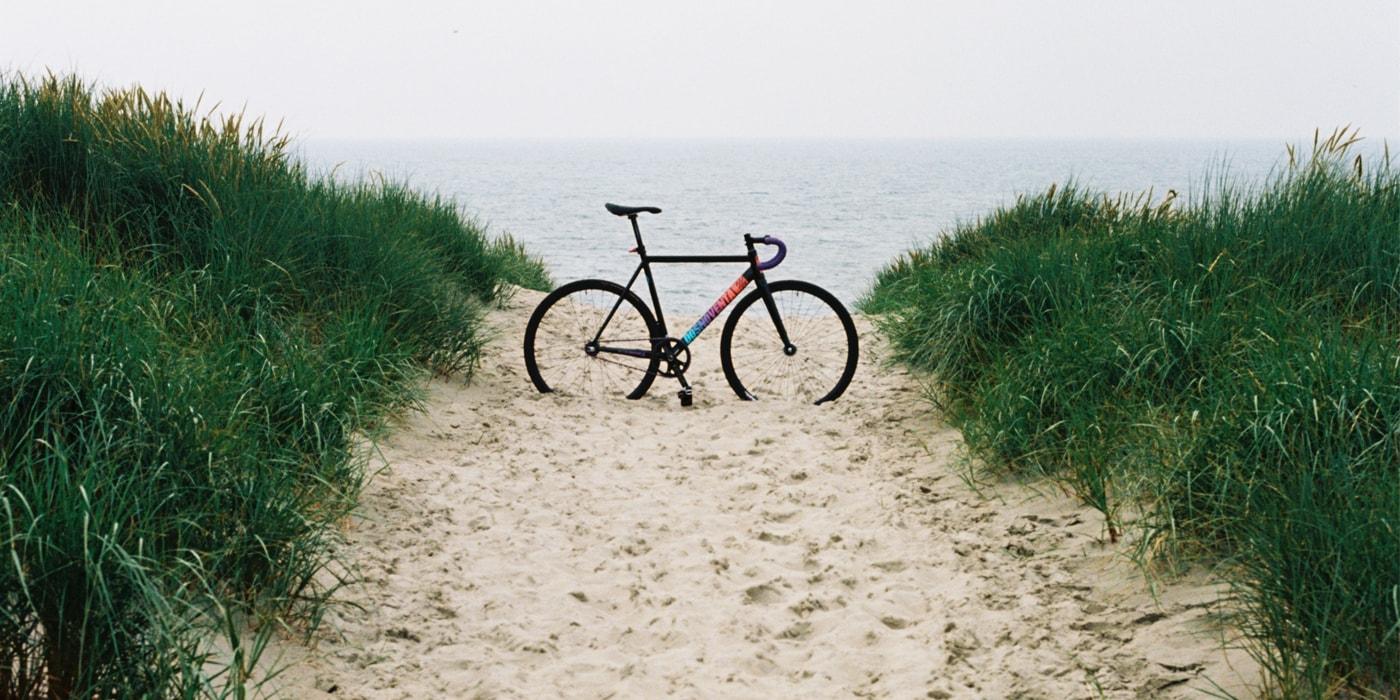 «В какой-то момент орал от одиночества — помогло»: небанальный велотур по настоящей Голландии(видео, 15 фото)