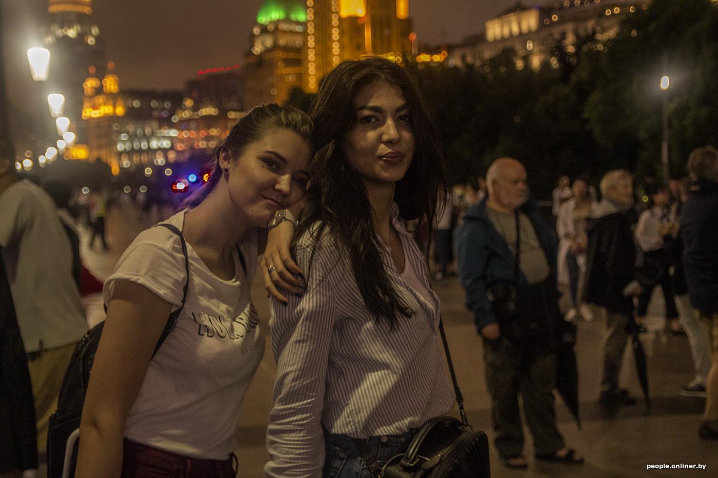Смотреть русский парень снял девицу возле подземки