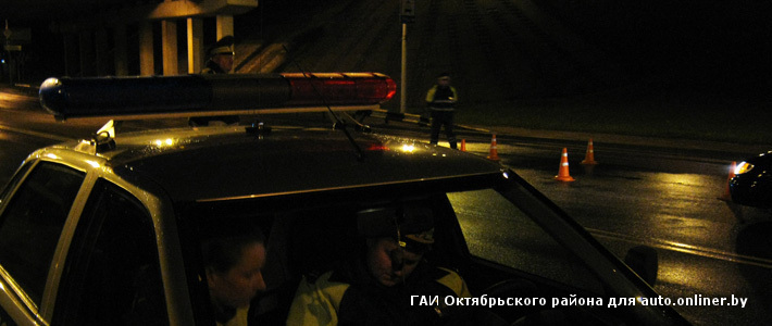 Москва  Новости  Четверо налетчиков угнали фургон с