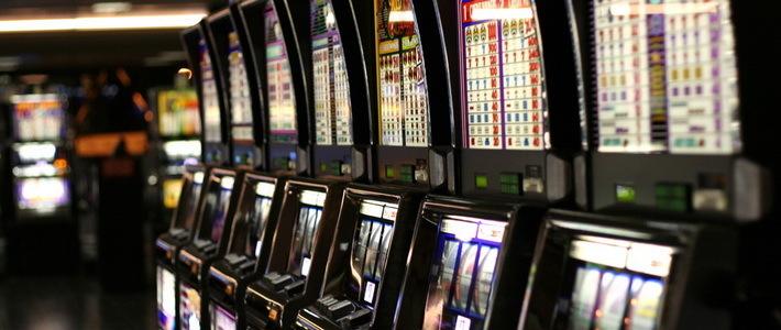 Охранник в казино минск предоставляем игровые автоматы в лизинг