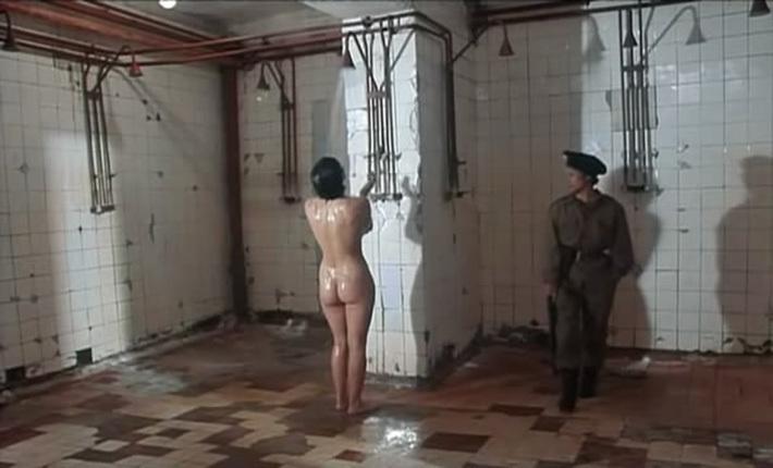 Порно видео скрытая камера в калонии