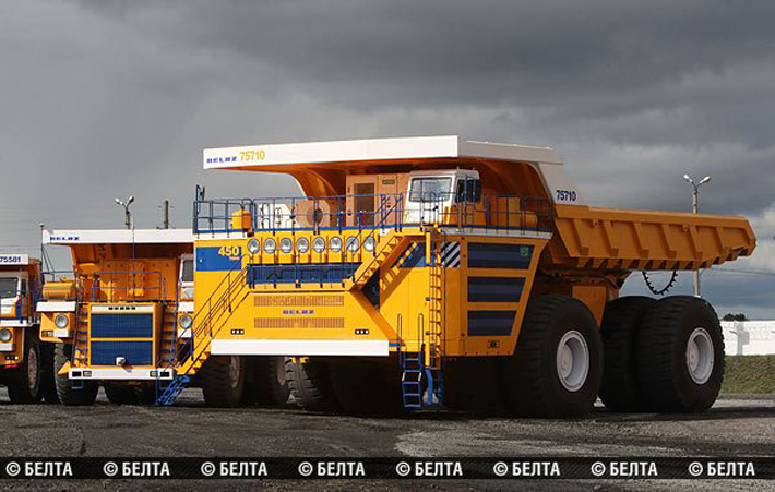 Белорусский автозавод работает над созданием 90-тонного самосвала на электрических батареях.