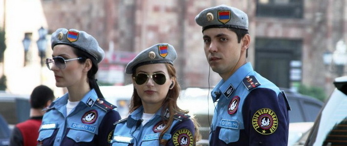 Армян геи в палицейской форме фото 177-923
