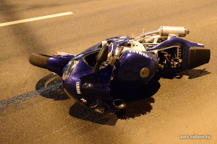 e5e88523f17f Авария случилась недалеко от развязки улиц Маяковского и Аранской. Наш  читатель Максим прислал видеозапись, сделанную сразу после происшествия.
