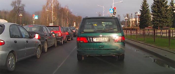 В Молодечно один за одним столкнулись пять автомобилей