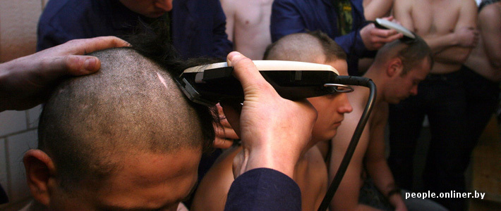Видео доктора глумяться над пацанами в военкомате фото 108-263