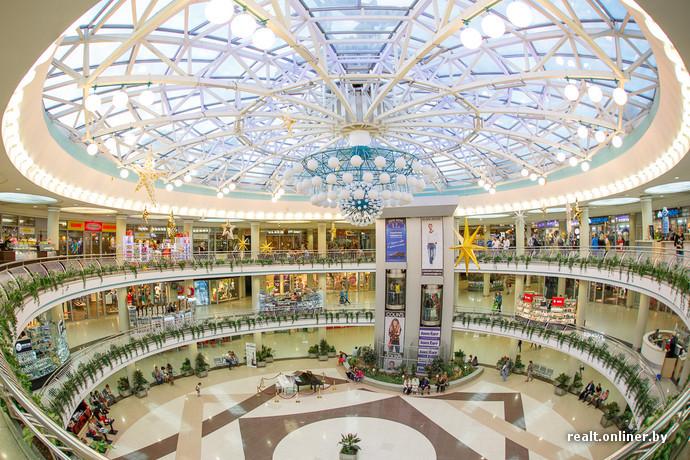 До декабря 2011 года развлекательная часть «Столицы» была представлена  видеокомплексом «Центр Видео», где показывали фильмы в стиле арт-хаус. c8a8cb951f4