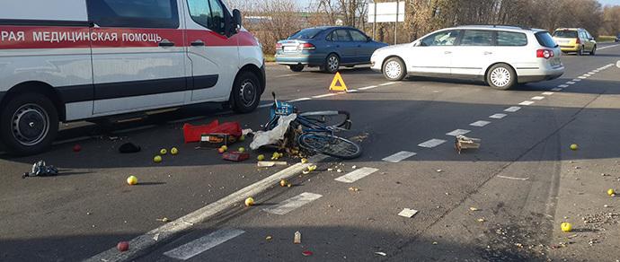Под Солигорском велосипедист не пропустил фуру