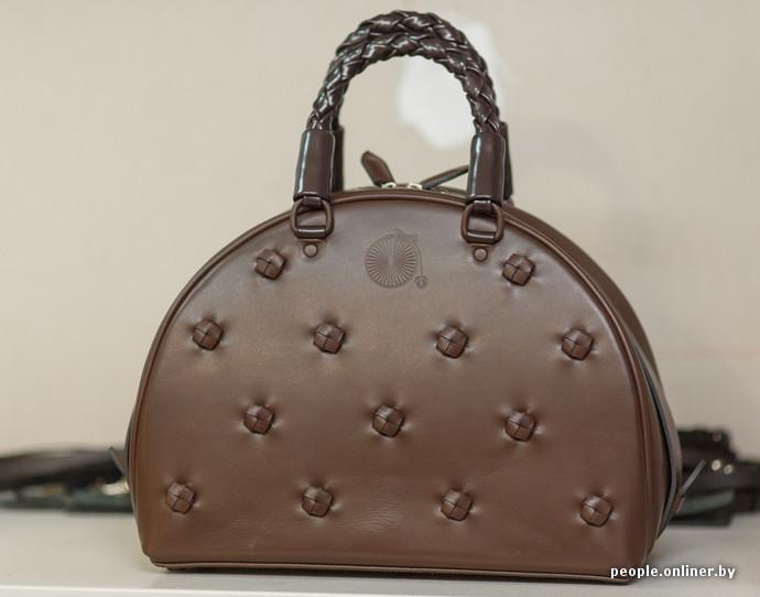 23d626931fff Дизайнерские бантики на всех моделях, купит кто то вашу сумочку, а потом в  магазе вдруг встретит свою сумку сестричку !!!! Хаха, недавно по
