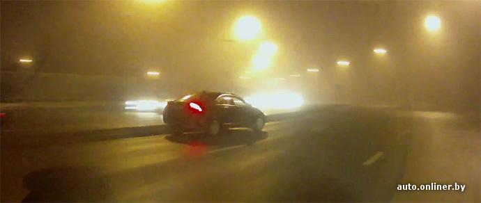 Водитель попал в ДТП, после того как его не пропустили в полосу и он, опередив, вошел в поворот на высокой скорости