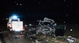 Смертельное ДТП на М6: в результате столкновения легковушки с фурой погибло 2 человека, еще один в реанимации