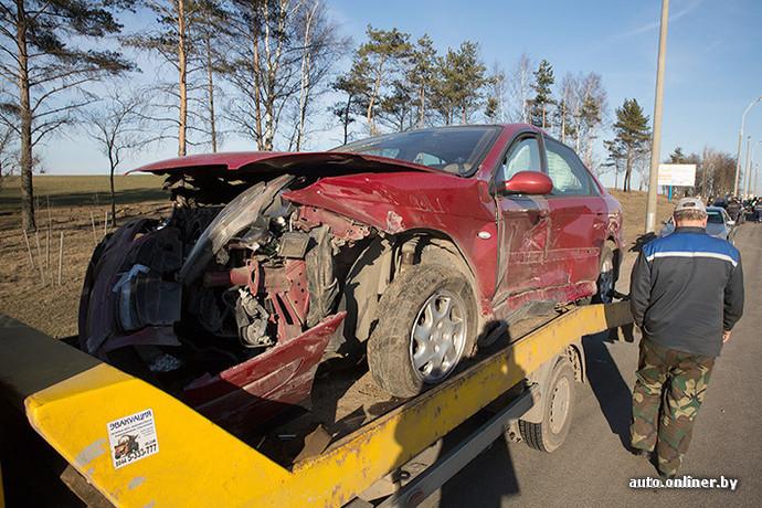 Мужик расплатился своей девушкой за разбитую машину, минет от русской блондинки онлайн