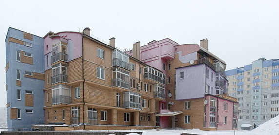 Директор частного ЖЭСа: «Проблемных жильцов надо воспитывать рублем. В домах, где люди сами построили квартиры и платят за их содержание немалые деньги, всегда порядок»