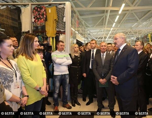 После встречи с Лукашенко предпринимателям разрешили торговать остатками без сертификатов до 1 января 2016-го: «Больше отсрочки не будет!»