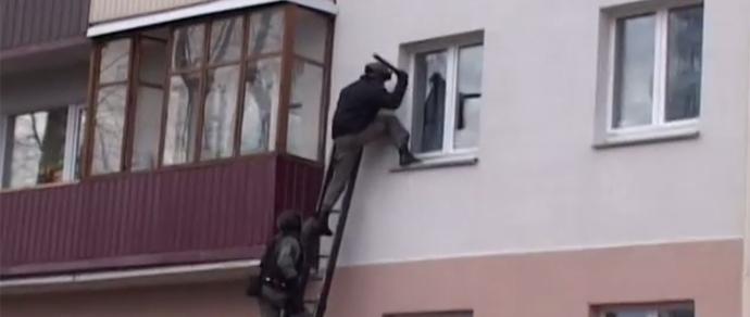 Милиция с «Алмазом» задержала сутенеров и проститутку-вербовщицу — студентку 5-го курса