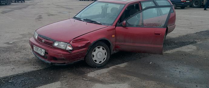 Владелец Nissan: в Гродно начинающие «дрифтеры» разбили мою машину и уехали