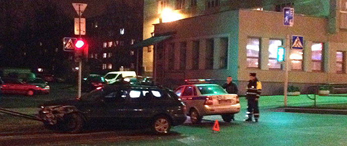 В Минске водитель Volkswagen попал в аварию из-за того, что навигатор поздно объявил поворот