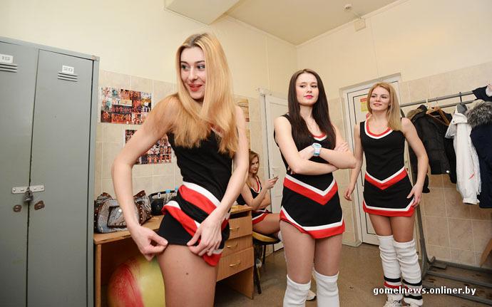 девушки голые в хоккейной форме