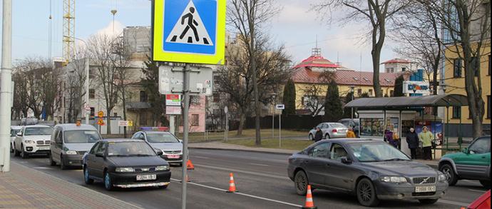 Брест: водитель Volvo на переходе сбил школьницу
