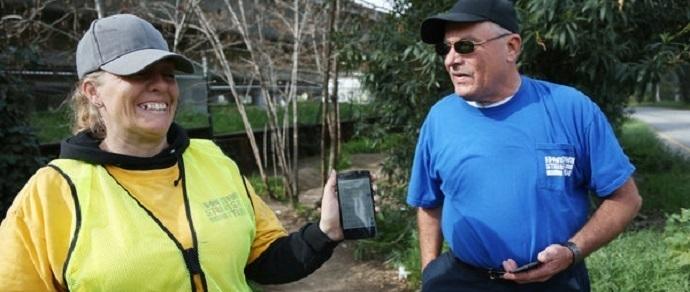 Американским бездомным раздают смартфоны для поиска жилья и работы