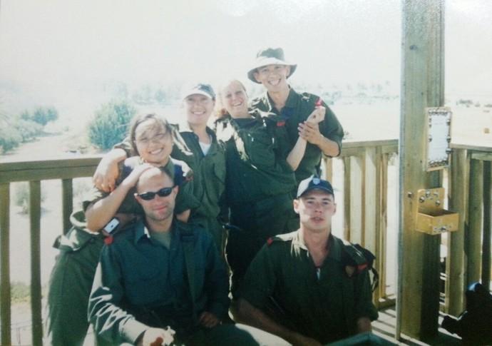 Американская ебля в армии с бабами
