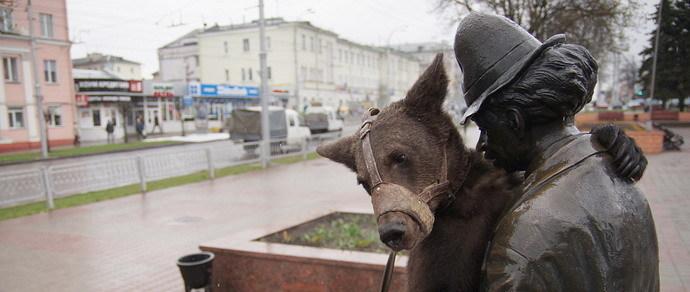 Фотофакт: московские медведи гуляют по центру Гомеля